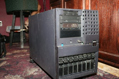 Dell PowerEdge 6400 Server