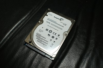 Seagate 320GB SATA hard drive for laptop ST9320325AS