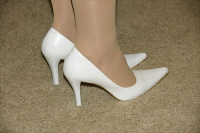 Sexy Nine West High Heel Stiletto White Pumps DOUGO