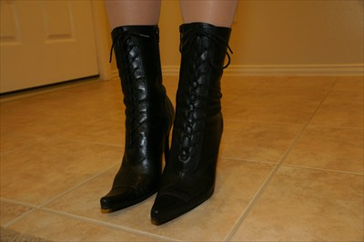 Sexy Steve Madden Lace up Black Granny Boots DYCE