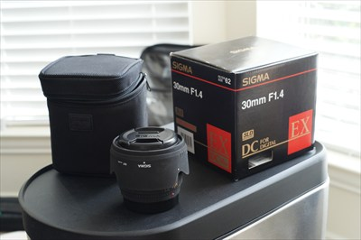 Sigma 30mm f1.4 EX DC for Sony Alpha Minolta