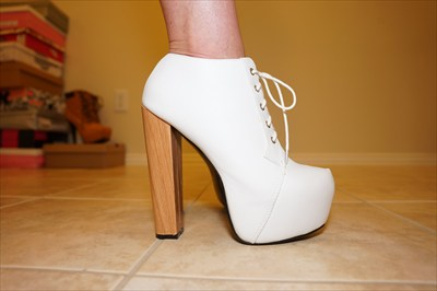 White High Heel lace up booties with hidden platforms sz 10